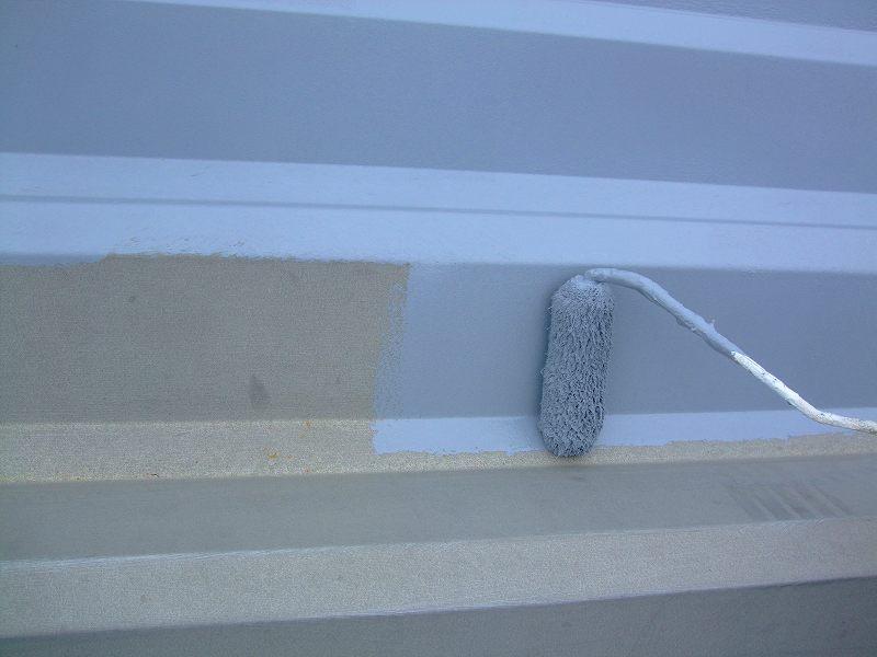 折板屋根下塗り