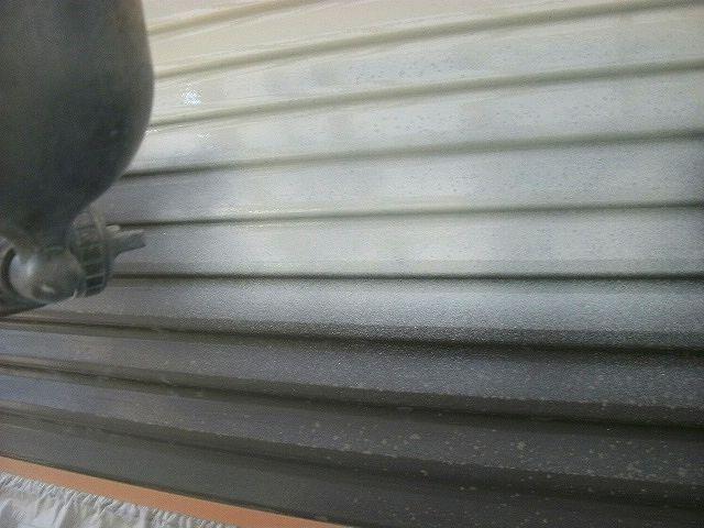 雨戸錆止め塗布