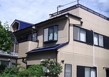 川口市でスレート屋根とベランダの【無料】雨漏り調査を行いました