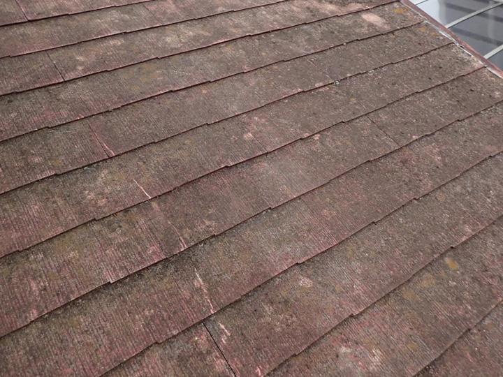 西東京市北原町にて屋根塗装前調査、築23年の化粧スレートに遮熱性塗料サーモアイSiによる塗装工事をご提案