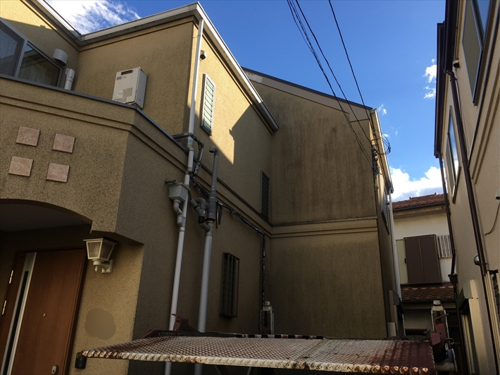 武蔵野市西久保にて外壁の塗膜が劣化を起こしているお宅の調査を行いました