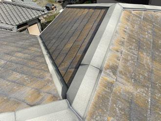 港区高輪にて破損したスレート屋根の調査、補修とサーモアイSiでの屋根塗装をご提案