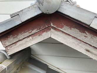 東金市成東にて昨年の台風による雨樋の破損と破風板の劣化を調査