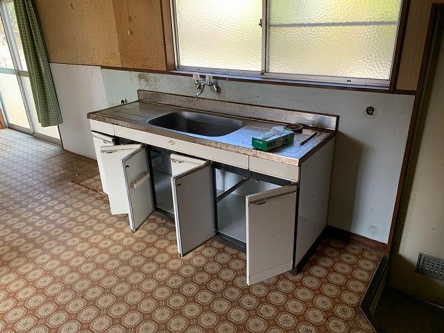 福島市蓬莱町でキッチン入れ替えに伴う壁・天井塗装の現調