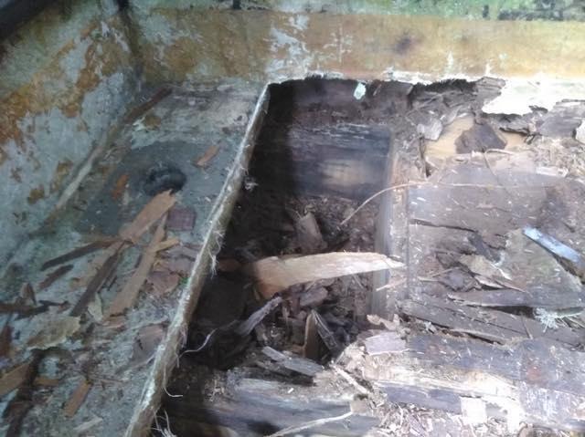 大垣市で建材が腐ってしまったベランダのFRP防水工事